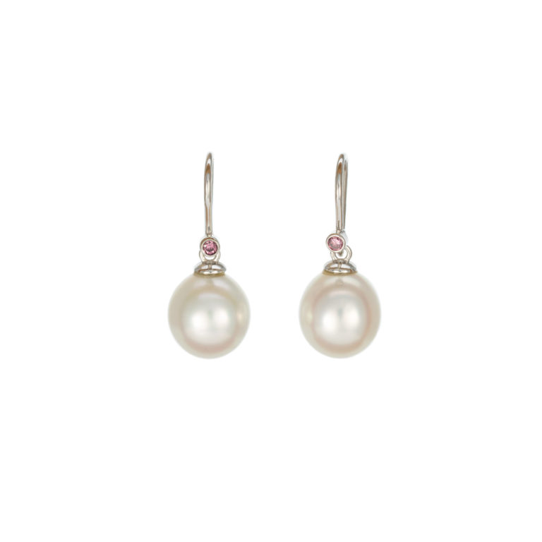 Classic hooks with pearls and pinks