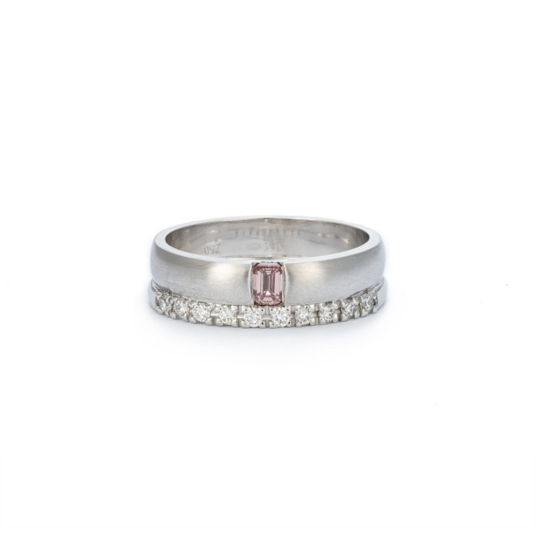 Bold handmade ring with pink champagne
